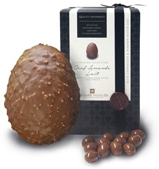 Oeuf Amande milk chocolate Easter egg