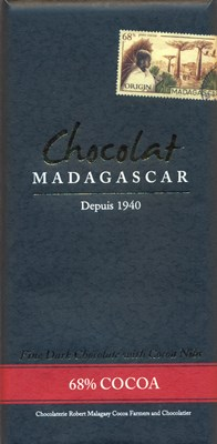 Chocolat Madagascar 68% dark chocolate with cocoa nibs
