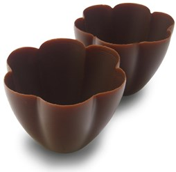 Milk chocolate tulip cups